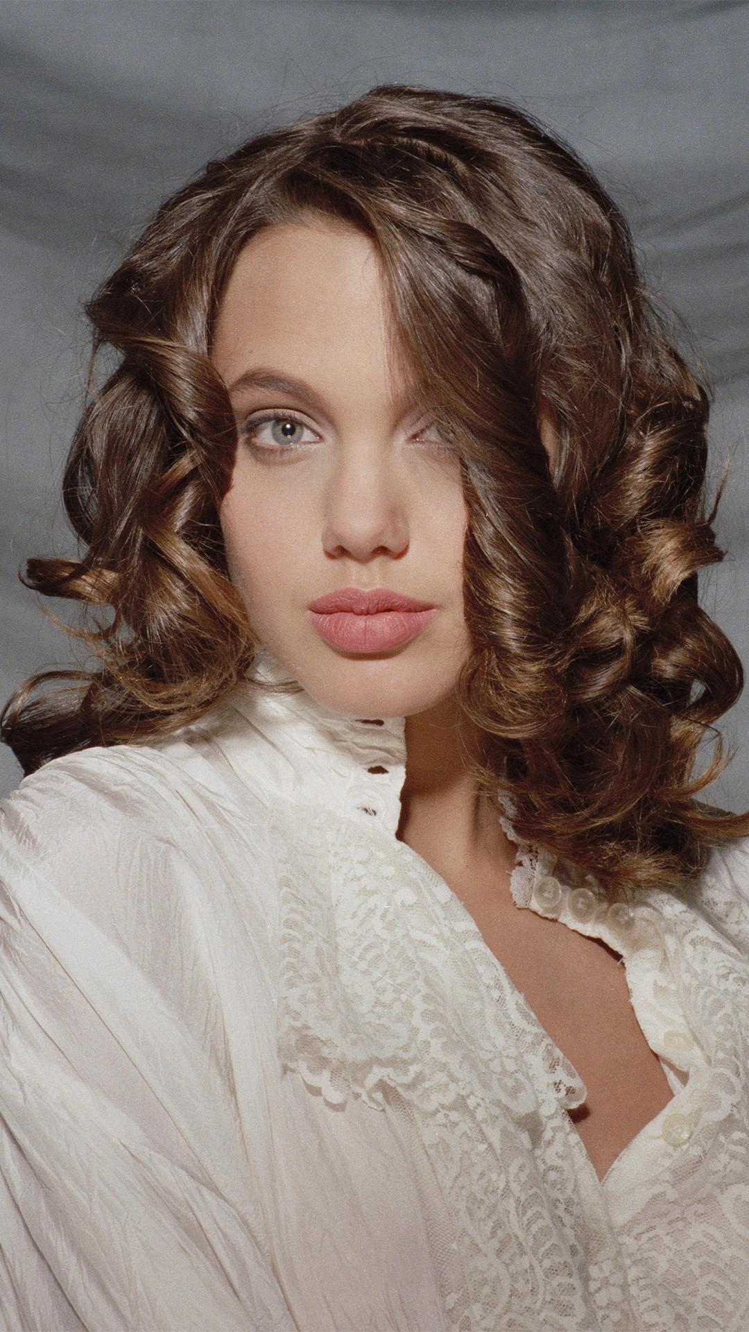 Angelina Jolie antes de ser famosa - Pelando El Ojo Angelina Jolie
